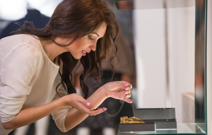 Get the Bling! 7 Tips for Buying Wholesale Jewelry for Resale